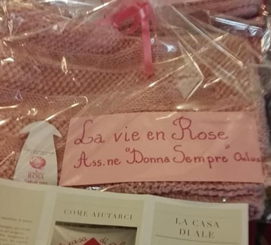 Le vie en Rose knitting
